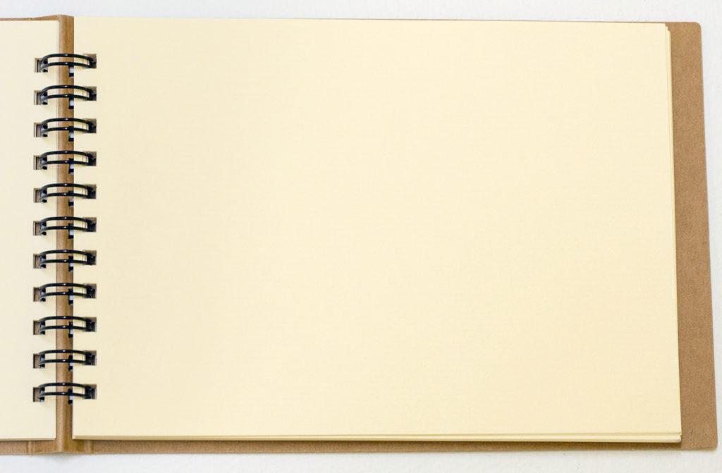 絵を描くときに使う「クロッキー帳」ってスケッチブックとどこが違うの?